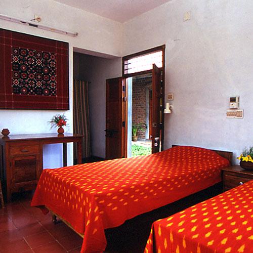Dakshinachitra Guest Houses in Chennai ECR